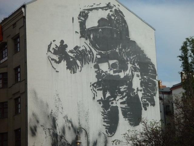 astronautavale.jpeg